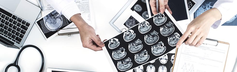 脳神経外科専門医による診療体制